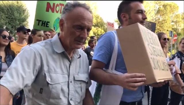 Të Gjelbrit bashkë me qytetarët e Tiranës në marshimin për ndyshimet  klimatike